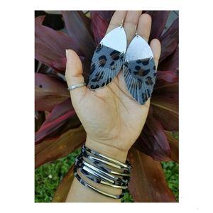 Gorgeous animal print Bracelet Earring set.